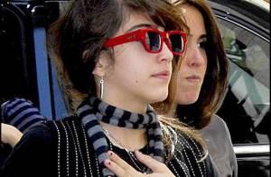 Même quand elle va prier en famille... Lourdes est une vraie fashion victim ! Regardez !