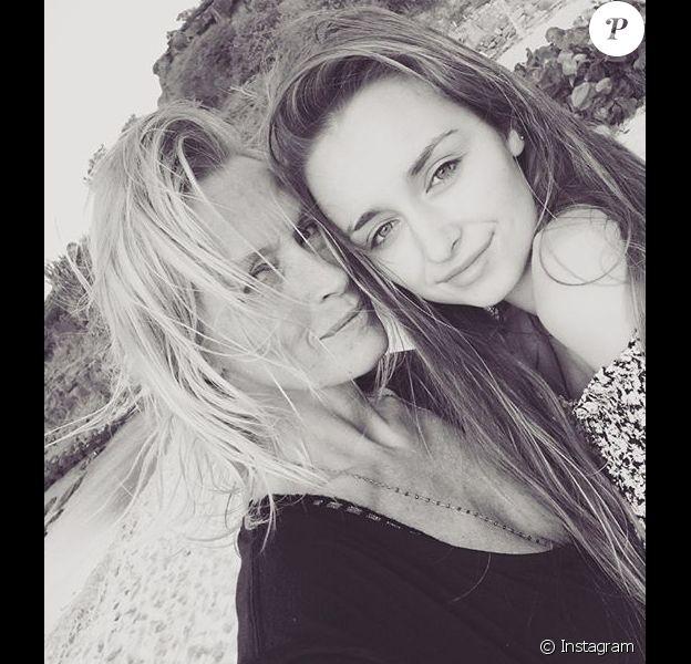 Estelle Lefébure et Emma Smet sur une photo publiée le 13 septembre 2018 pour les 21 ans de la jeune femme.