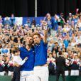 Julien Benneteau, son fils Ayrton et Nicolas Mahut - Les joueurs de tennis français Julien Benneteau et Nicolas Mahut opposés aux joueurs espagnols Marcel Granollers et Feliciano Lopez lors de la Demi finale double, de la Coupe Davis de tennis France / Espagne, remportée par la France: (6-0, 6-4, 7-6) à Villeneuve-d'Ascq, France, le 15 septembre 2018.