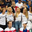Joalukas Noah, sa mère Isabelle Camus (femme de Yannick Noah), Clémence Bertrand (la compagne de Lucas Pouille), Julia Lang (compagne de P.H.Herbert) et Noura El Shwekh (compagne de Jo-Wilfried Tsonga) durant le match entre le joueur de tennis français Benoît Paire, opposé au joueur espagnol Pablo Carreno Busta, lors de la Demi finale simple de la Coupe Davis de tennis France / Espagne, remportée par la France: (7-5, 6-1, 6-0) à Villeneuve-d'Ascq, France, le 14 septembre 2018.