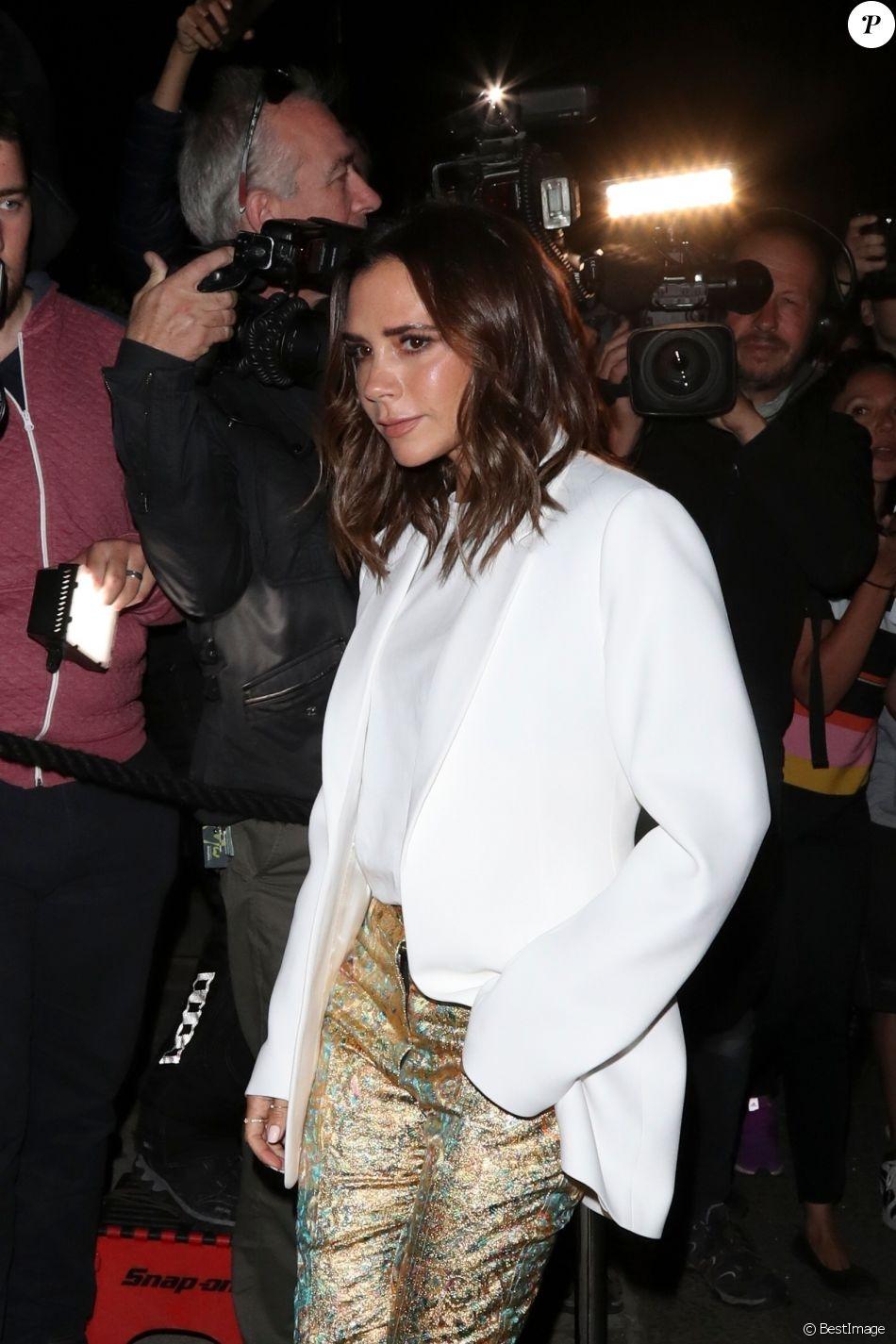 """Victoria Beckham arrive à la soirée """"Victoria Beckham X Vogue"""" au Mark's Club lors de la London Fashion Week, le 16 septembre 2018."""