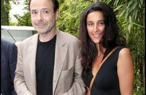 Marc Lévy, épaulé par sa femme :