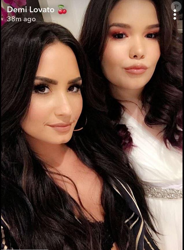 Demi Lovato fait un selfie avec sa soeur Madison De La Garza, qui fête ses 16 ans, le 18 décembre 2017