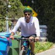 Chris Martin a été aperçu en vélo dans les rues de Malibu, le 28 aout 2018.