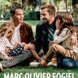 """Marc-Olivier Fogiel en couverture de """"Paris Match"""" avec son mari et leurs deux filles, numéro du 11 octobre 2018."""