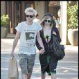 """""""Avril Lavigne et son mari Deryck Whibley dans les rues de Beverly Hills"""""""