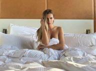 Clara Morgane : Nue dans une chambre d'hôtel, elle se dévoile