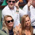 Estelle Lefebure et sa fille Emma Smet dans les tribunes des internationaux de tennis de Roland Garros à Paris, France, le 6 juin 2018. © Cyril Moreau/Bestimage