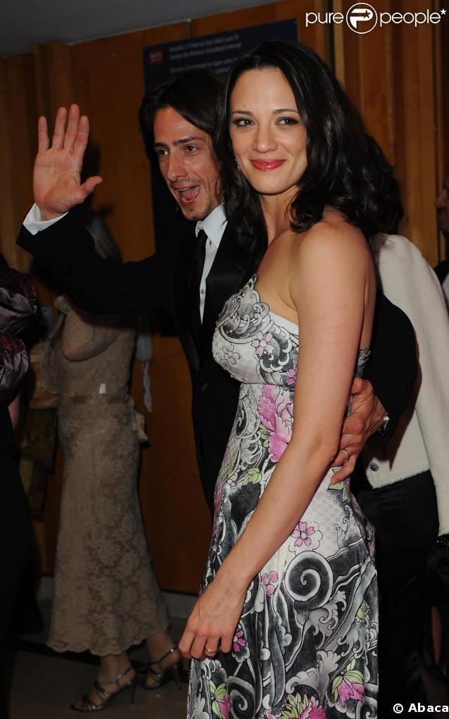 Asia Argento et son époux Michele Civetta lors du dîner de la cérémonie d'ouverture du Festival de Cannes