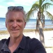 Denis Brogniart (Koh-Lanta) tout confort : Les coulisses luxueuses du tournage