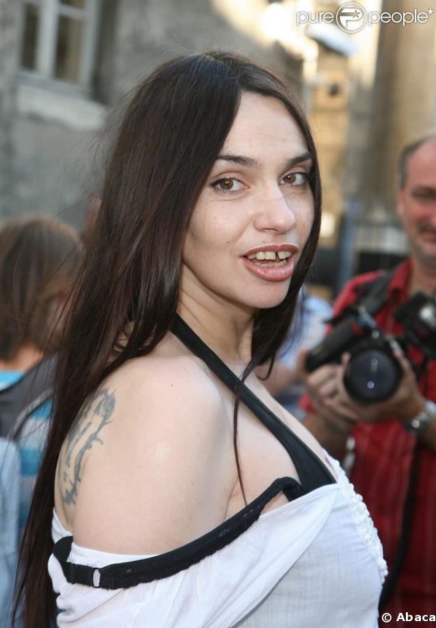 Nawak blabla du forum sur le forum catch 14 09 2011 14 for Beatrice dalle wiki