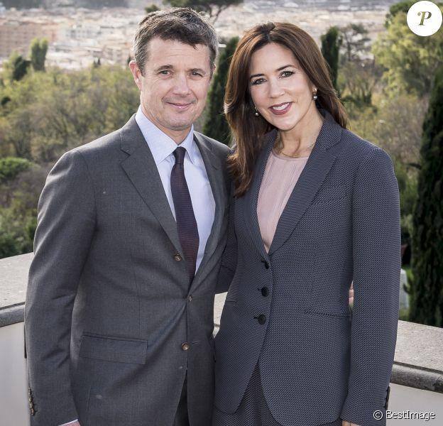 Le prince Frederik de Danemark et la princesse Mary lors d'une conférence à la Villa Miani à Rome le 7 novembre 2018.