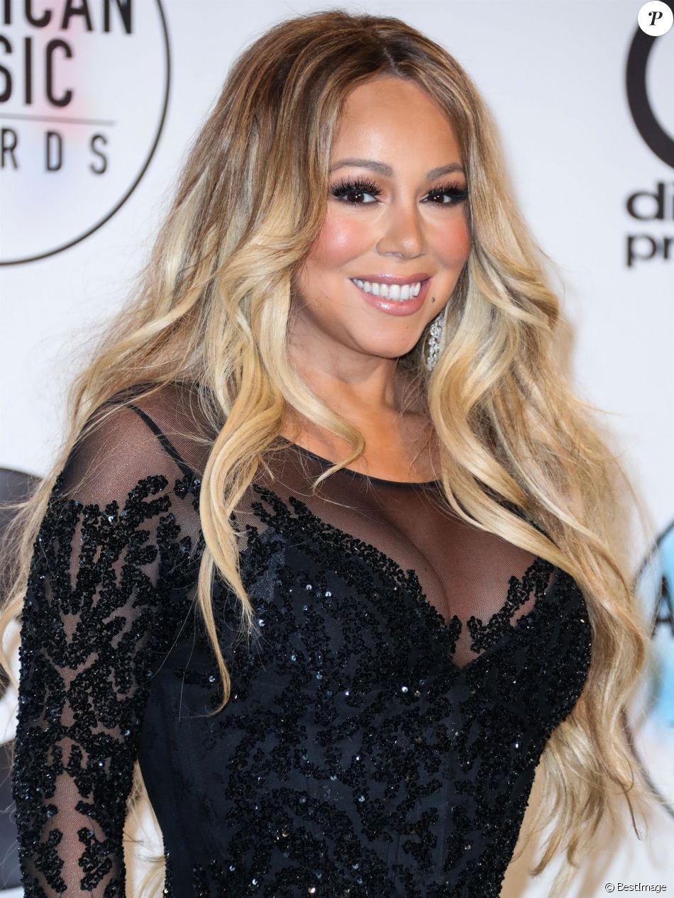 Mariah Carey au photocall de la pressroom des American Music Awards au théâtre Microsoft à Los Angeles le 9 octobre 2018.