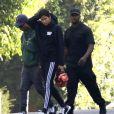 Pharrell Williams arrive chez son ami Puff Daddy pour assister à la cérémonie organisée en mémoire de son ex compagne Kim Porter décédée jeudi 15 novembre à son domicile de Toluca Lake, dans le comté de Los Angeles, le 18 novembre 2018