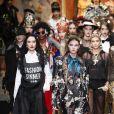 """Hailey Baldwin - Défilé de mode """"Dolce and Gabbana"""" lors de la fashion week de Milan. Le 25 février 2018."""