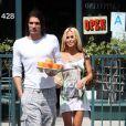Shauna Sand et son nouvel ami à Los Angeles, le 16 mai 2009