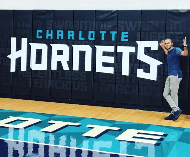Tony Parker pose devant les couleurs de sa nouvelle équipe, les Hornets de Charlotte, sur Instagram, le 13 juillet 2018.