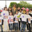 Corinne Touzet a participé à la grande Marche contre la leucémie (et pour le Don de Soi) organisée par l'association Laurette Fugain, à Paris