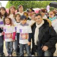 Jean-Marie Bigard a participé à la grande Marche contre la leucémie (et pour le Don de Soi) organisée par l'association Laurette Fugain, à Paris... et il n'était pas seul !
