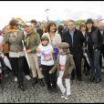 Corinne Touzet, Stéphanie Fugain et Xavier Bertrand ont participé à la grande Marche contre la leucémie (et pour le Don de Soi) organisée par l'association Laurette Fugain, à Paris