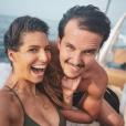 Laury Thilleman et son chéri Juan Arbelaez amoureux à Port-cros le 31 juillet 2018.