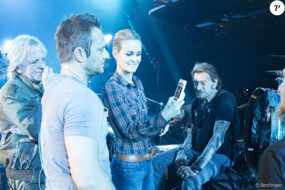 """Exclusif - Bernard Schmitt, David, Laeticia et Johnny Hallyday - Répetitions du premier concert de la tournee """"Born Rocker Tour"""" de Johnny Hallyday au POPB de Bercy à Paris. Le 14 juin 2013"""