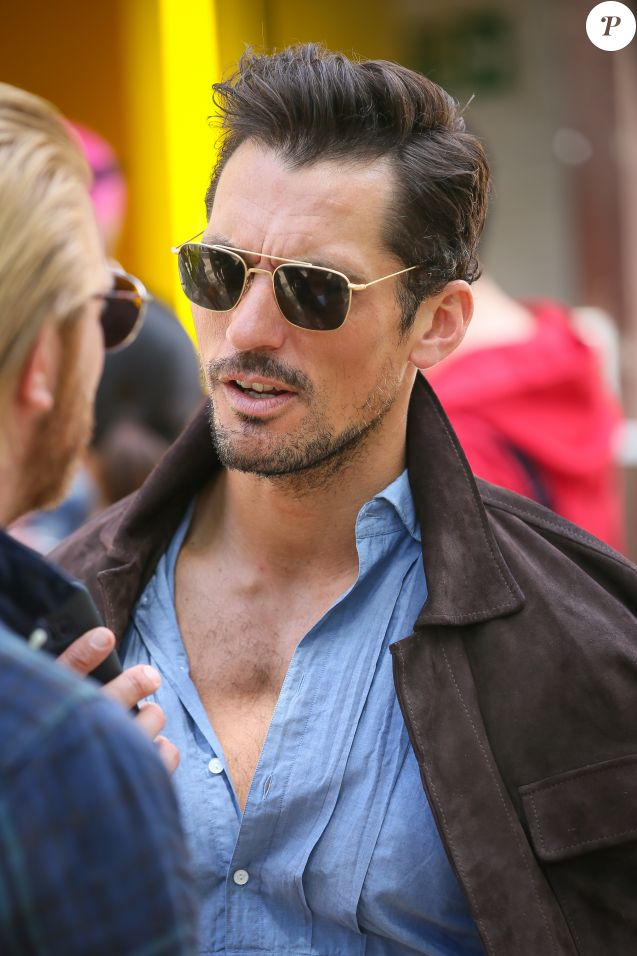 "David Gandy à son arrivée au défilé de mode ""Barbour International"" lors de la fashion week de Londres. Le 11 juin 2018"
