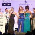 Sharon Stone, Dean et Dan Caten, Lily Cole, Noémie Lenoir et Donatelle Versace au gala de l'amfAR. 21/05/09