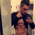 Darko (Secret Story 10) exhibe son corps de rêve sur Instagram !