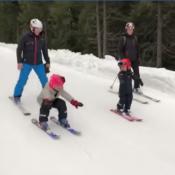 Victoria de Suède : Le prince Oscar, 2 ans, file à fond sur les skis