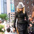 Madonna et son fils adoptif David à la sortie de la kabbale (23 mai, New York)