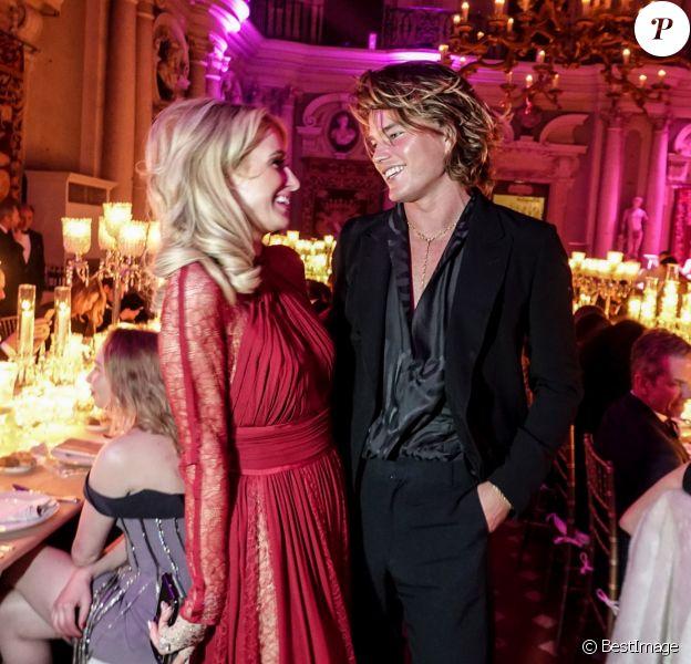 Paris Hilton, Jordan Barrett - People à la soirée Pitti Immagine Uomo 95 pour la fondation Naked Heart au palais Corsini à Florence le 9 janvier 2019. © Moggi/Soevermedia via ZUMA Press / Bestimage
