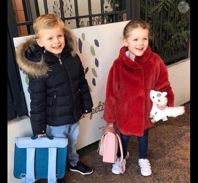 Charlene de Monaco publie une photo de Jacques et Gabriella de retour à l'école après les vacances de Noël. Instagram, le 7 janvier 2019.