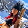 Delphine Wespiser en bikini dans la neige : L'ex-Miss fait sensation !