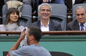 Raymond Domenech et Estelle Denis : deux amoureux aux premières loges pour la victoire de Federer !