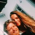 """Paul, candidat de la saison 10 de """"Top Chef"""", se dévoile en couple avec la belle Louka sur les réseaux sociaux."""