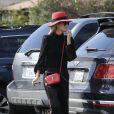 """Semi-Exclusif - Laeticia Hallyday et sa mère Françoise Thibaut (en survêtements) sont allées déjeuner au restaurant japonais """"Sushi Zo"""" près du Lycée Français à Los Angeles, le 5 février 2019."""