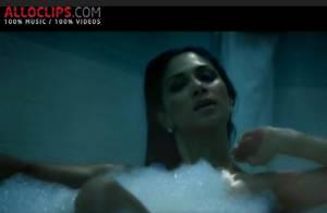 Nicole Scherzinger vous attend dans son bain avant de se prendre pour... Gloria Gaynor ! Regardez le clip de Hush Hush !