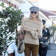 Laeticia Hallyday fait du shopping avec sa mère Françoise Thibaut et son amie Chritina à Brentwood le 7 février 2019.