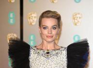 Margot Robbie divise : Son étrange robe capte l'attention aux BAFTA