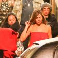 Exclusif - Jennifer Aniston porte une jolie robe longue rouge sur le tournage de Top of the Morning à Los Angeles, le 20 january 2019