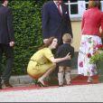 Mary de Danemark retrouve le cousin Gustav lors d'un baptême