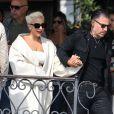 Lady Gaga et son compagnon Christian Carino quittent Venise après avoir assisté au 75ème Festival du Film International, la Mostra, le 2 septembre 2018.