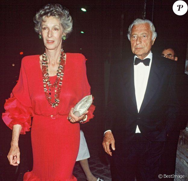 Marella et Gianni Agnelli en juin 1989 lors d'une soirée en l'honneur de Ronald Reagan.