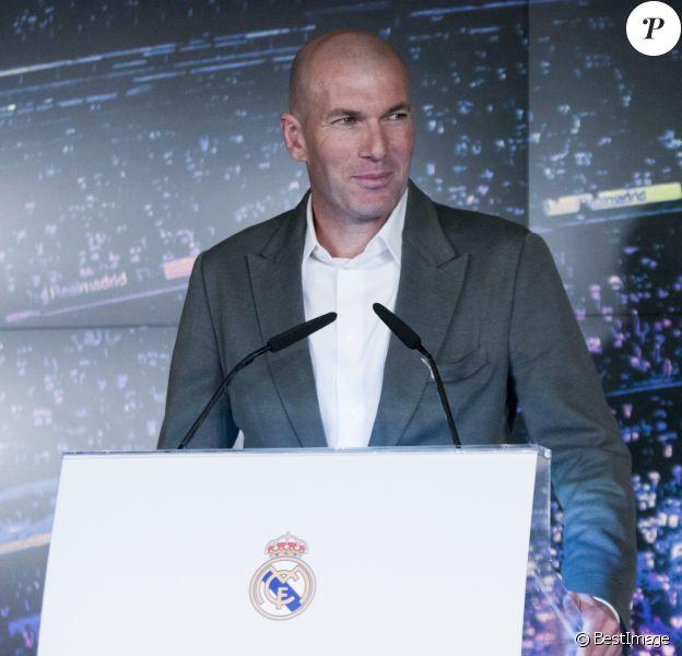 Le nouvel entraîneur du Real Madrid Zinedine Zidane lors de la conférence de presse au stade Santiago Bernabeu à Madrid, Espagne, le 11 mars 2019.