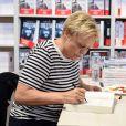 Muriel Robin - Salon du Livre de Paris 2019 du 15 au 18 mars 2019 à la Porte de Versailles. Le 16 mars 2019 © Lionel Urman / Bestimage