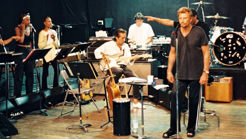 Johnny Hallyday en répétition avec ses musiciens, dont sa choriste Jessica Plesel, à Los Angeles en 1998. ©Daniel Angeli/Bestimage