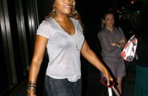 La chanteuse Eve fait encore des siennes à la sortie d'une boîte de nuit à L.A !