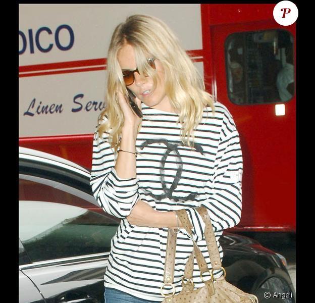 Sienna Miller à la sortie d'un salon à Beverly Hills