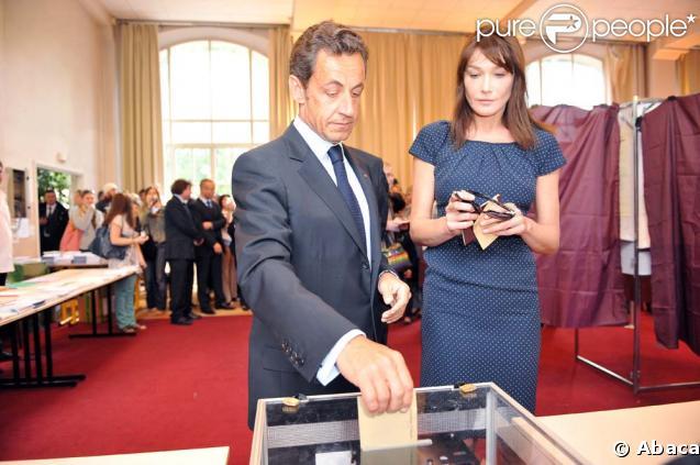 Nicolas Sarkozy et Carla Bruni ont voté ce matin dans le XVIe arrondissement de Paris